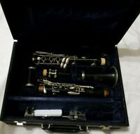 Bundy 577 Resonite Clarinet The Selmer Company w/ Carrying Case