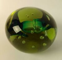 Beautiful Vintage Hand Made Art Glass Paperweight - Artist Signed