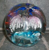 VINTAGE SWIMMING FISH UNDERWATER OCEAN ART GLASS LARGE PAPERWEIGHT