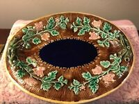 ANTIQUE MAJOLICA OVAL PICKET FENCE BREAD PLATTER WITH FLOWERS ON VINES