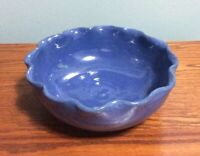 BYBEE KENTUCKY POTTERY ... BOWL  ... BLUE  COLOR .. RUFFLED EDGES