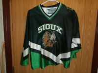 UND fighting Sioux hockey jersey Authentic Gemini Youth XL X-Large