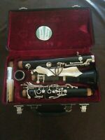 Clean Jupiter JCL-631 Clarinet very good condition with bag, music stand. books