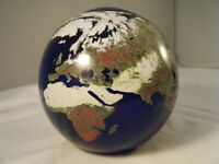 1993 LUNDBERG STUDIOS Art Glass EARTH GLOBE Paperweight 4