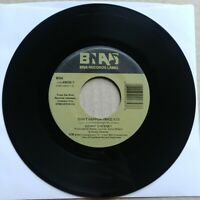 KENNY CHESNEY Don#x27;t Happen Twice I Lost It 45 7quot; COUNTRY Record Vinyl 2001 BNA $11.95