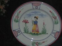 Deruta Pottery Italy Hand Painted Plate 9 1 2quot; Diameter EC