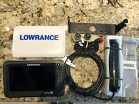 Lowrance Carbon HDS 9 with TotalScan Transducer