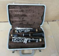 1970 s buescher aristocrat clarinet with hard plastic case [ 9C]
