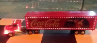 Ertl Freightliner LIGHTED Coca-Cola Santa Semi Truck & Trailer 1:43  17