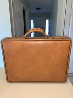 VINTAGE Hartmann Brown Belting Leather 18quot; x 14quot; x 4quot; Briefcase Very Nice NO Key