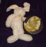EASTER BUNNY TIN & Stuffed Bunny/ Real collectible