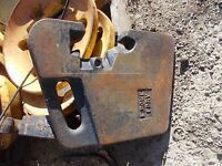 E. Rowe Foundry Tractor 85-90 lb Suit Case Weight weights late model IH JD AC