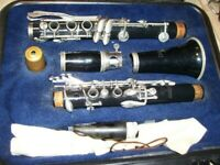 Selmer CL300 Clarinet in Hard Case Nice Condition Ready to Play!