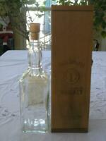 JACK DANIELS 1994 BARREL HOUSE BOTTLE / DECANTER WITH WOODEN BOX