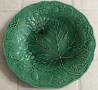 "Antique Green Majolica Pottery Plate Grape Leaf Strawberry Vine 9"" from Estate"
