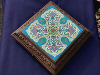 BEAUTIFUL FRENCH LONGWY 19TH CENTURY TILE MOUNTED IN CARVED WOOD FRAME.MUSIC BOX