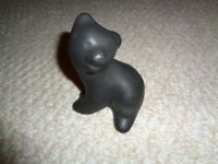 Pigeon Forge pottery black bear figurine sitting Tennessee thick mold signed