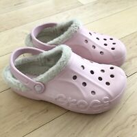 CROCS Women's Pink With Faux Fur Lining Slip on Size 9