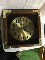 Vintage 11/'/'x11/'/' Pioneer Seed Corn wood grain gold anodized wall clock New Look