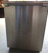Thermador 24 inch integrated dishwasher  dwhd94bp