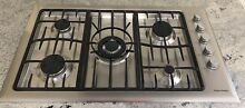 Fisher   Paykel 36  Five Burner Gas Cooktop CG365CWACX1