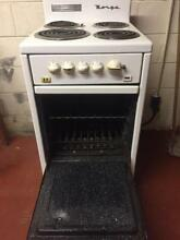 Vintage Norge Small Electric Range    Mid Century   White with 4 Burners