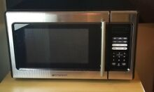 Emerson 900W Microwave Oven