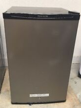 Frigidaire   4 5 Cu  Ft  Mini Fridge   Silver Mist Local Pick Up only  READ