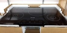 THERMADOR 30   MASTERPIECE INDUCTION COOKTOP BLACK