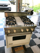Viking 30 Inch Freestanding Gas Range Oven Model VGSC305 4BDWH   Viking