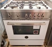 NEW OUT OF BOX BERTAZZONI 4 BURNER 30  PRO RANGE WHITE COLOR LAST YEARS MODEL
