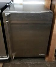 LYNX  24  OUTDOOR REFRIGERATOR STAINLESS STEEL