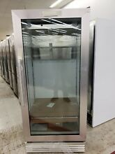 Frigidaire FCGM181RQB Commercial 18 4 Cu  Ft  Glass Door Merchandiser 32  Wide