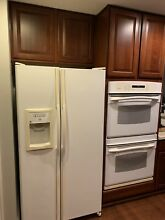 Refrigerator   Full Size   White   Side By Side With Ice   Water   GE