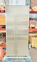 SUB ZERO 36  SIDE BY SIDE REFRIGERATOR FLAWLESS STAINLESS DOORS  TUBULAR HANDLES