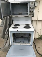 Vintage Frigidaire Flair double Oven in working condition  Very decent shape