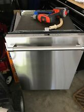 Bosch   Thermador Dishwasher  DWHD440MFP