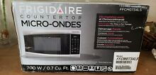 Frigidaire FFCM0734LS 700 watts Microwave Oven