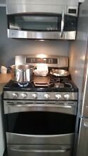 GE Dual Fuel Range 30  Gas Electric Convection Stainless Steel 5 Burner Griddle