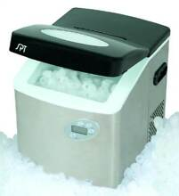 Portable Ice Maker w Stainless Housing  LCD   Self Clean Function  ID 24262