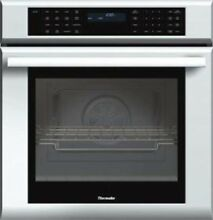 NEW OUT OF BOX THERMADOR 27  MASTERPIECE SERIES SINGLE WALL OVEN STAINLESS STEEL
