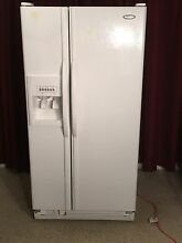 Whirlpool 22 cu  ft  Refrigerator  Freezer Side by Side  White