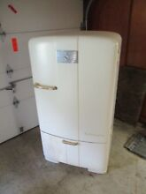 Vintage Deco Kelvinator Refrigerator Arched Top  1950 s  Runs 100  Model C 7 R