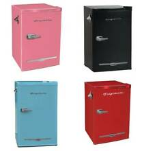 Frigidaire 3 2 Cu Ft Retro Compact Fridge  3 Colors    Brand New