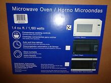 White 1 100 Watt Microwave Oven