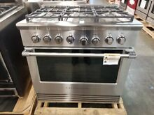 NEW OUT OF BOX FISHER PAYKEL 36  RANGE STAINLESS STEEL 6 BURNER