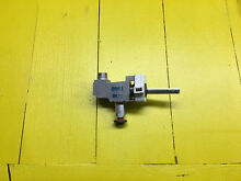 OEM 71002671 Jenn Air Cooktop Valve Burner w valve switch and knob  used
