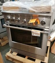 REFURBISHED FISHER PAYKEL 30  PRO STYLE GAS RANGE STAINLESS STEEL 5 BURNERS