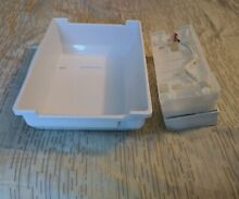 SAMSUNG FRIDGE ICE MAKER ASSY OEM P N DA61 05227A  with Ice Tray