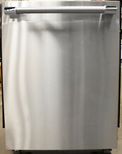 Thermador Professional Topaz Series DWHD660WFP 24  Built In Dishwasher
